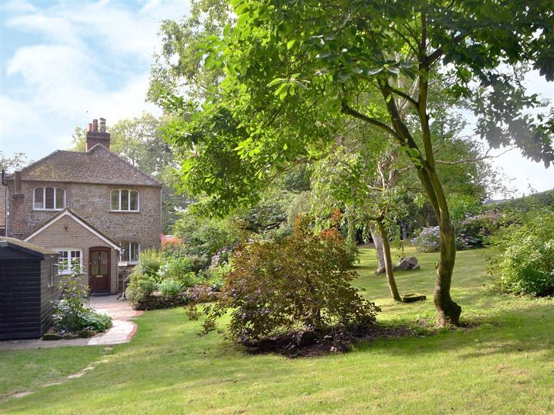 Tanhurst Cottage in Leith Hill, nr. Dorking - sleeps 4 people