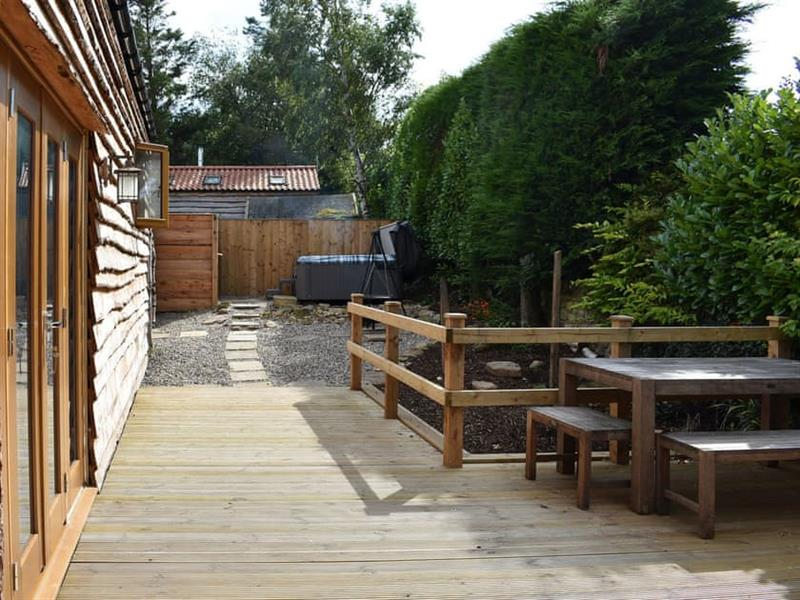Tavern Cottages - Poppy Lodge in Newsham, near Richmond - sleeps 2 people