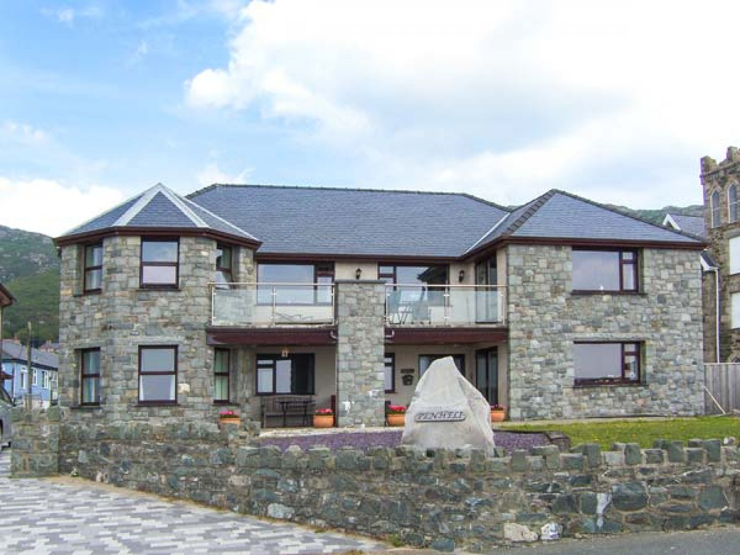 The Annex at Penheli in Barmouth - sleeps 6 people