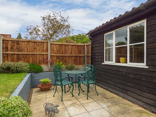 The Barn in Coltishall - sleeps 6 people