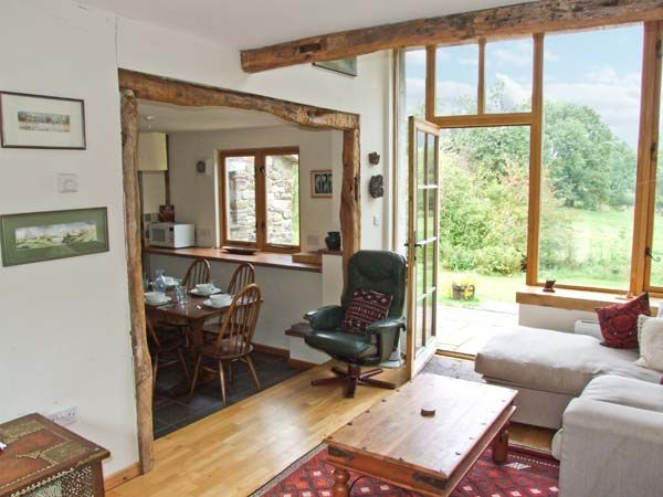 The Barn in Hundred House - sleeps 6 people