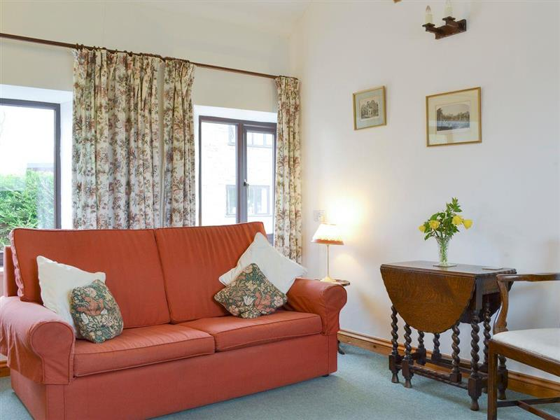 The Buzzards - Cuckoos Nest in Kingsland, near Leominster, Herefordshire - sleeps 3 people