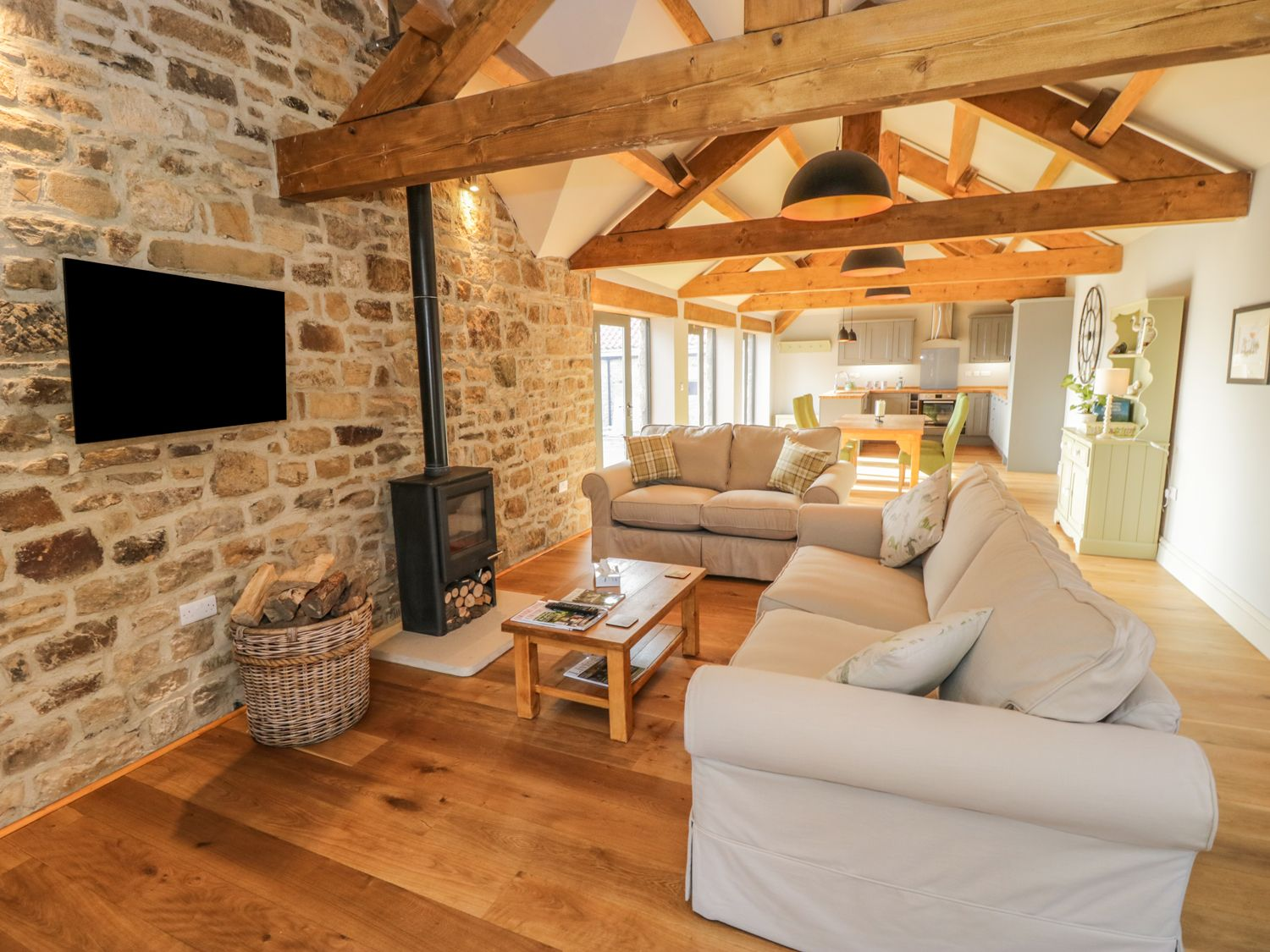 The Byre, Sedbury Park Farm in Gilling West - sleeps 4 people