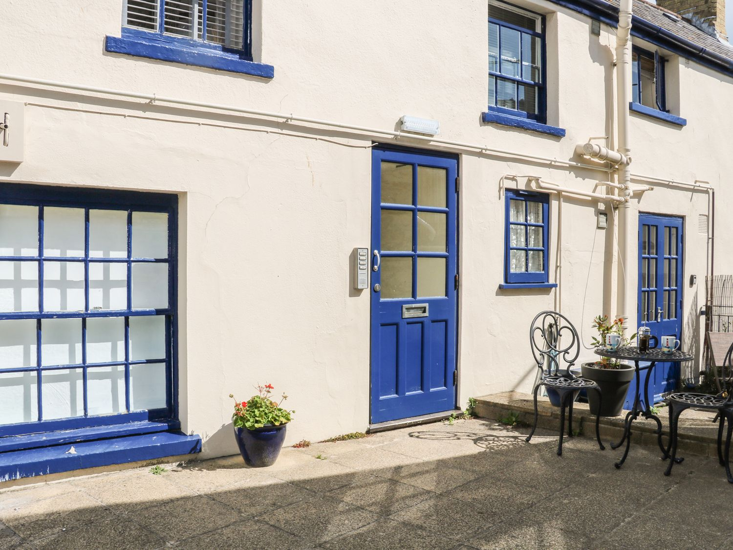 The Compass in Swanage - sleeps 2 people