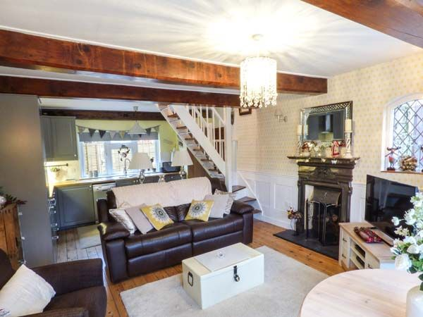 The Cottage in Fishbourne - sleeps 2 people