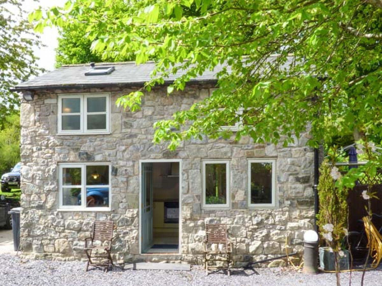 The Cottage in Pantymwyn near Mold - sleeps 2 people