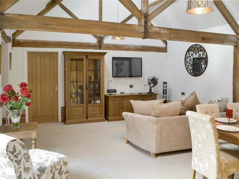 The Cowshed in Horning, near Wroxham - sleeps 6 people