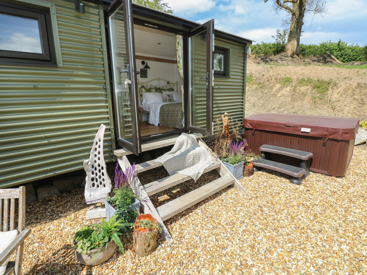 The Cwtch in St Clears - sleeps 2 people