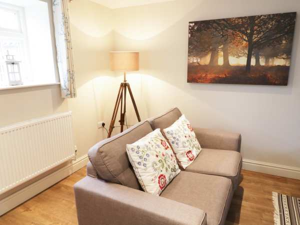 The Dower House Cottage in Kirklington - sleeps 4 people