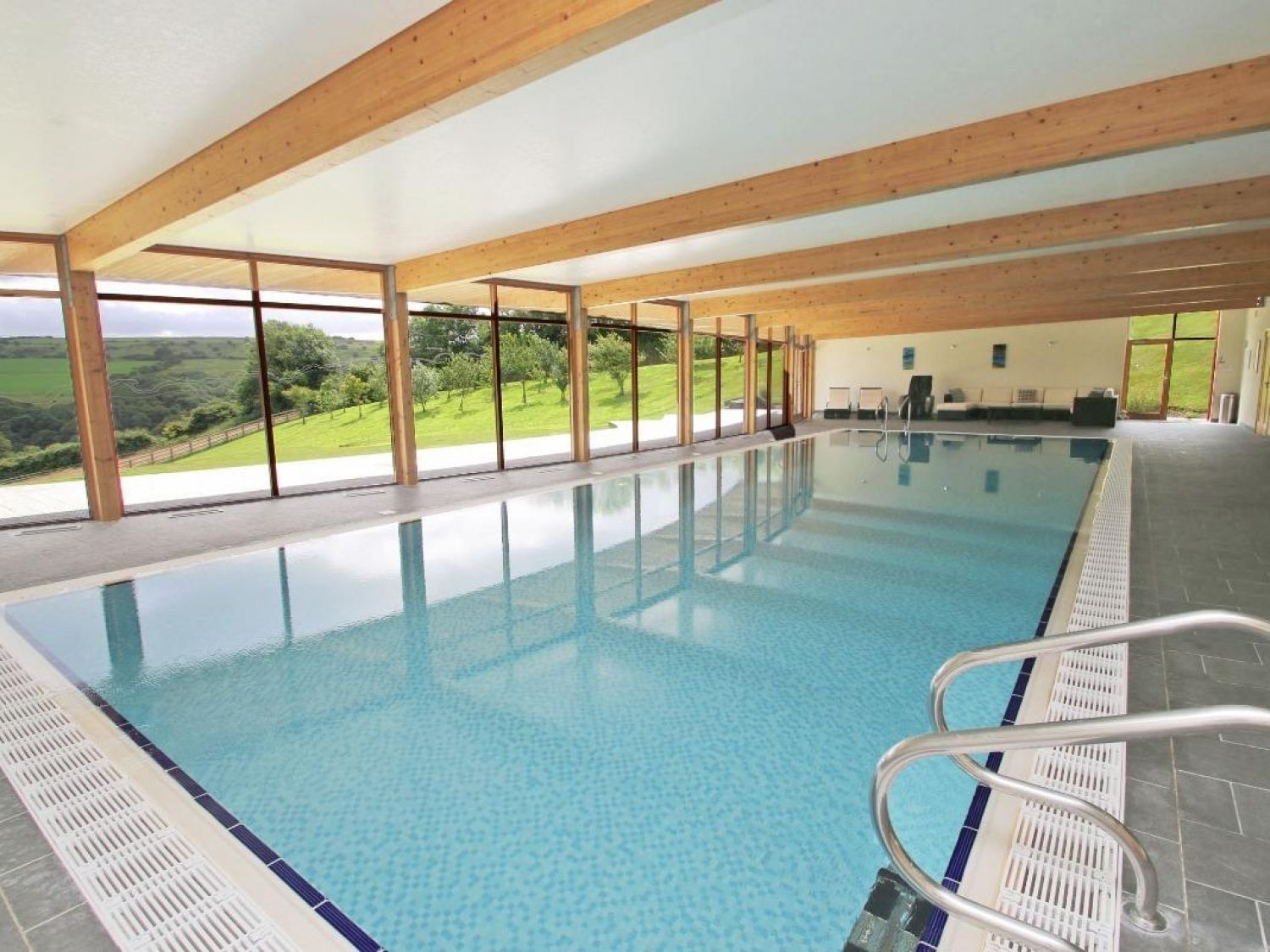 The Farmhouse in Camelford - sleeps 6 people