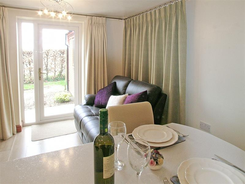 The Garden Apartment in Neatishead, nr. Norwich - sleeps 2 people