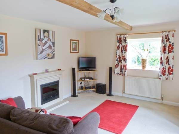 The Granary Cottage in Gayton - sleeps 4 people