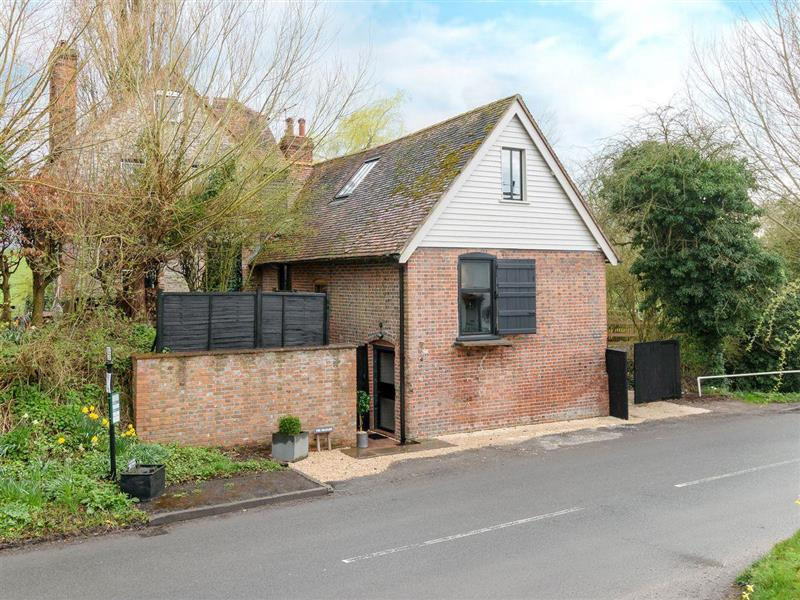 The Granary in Cuxham, near Watlington, Oxfordshire - sleeps 2 people