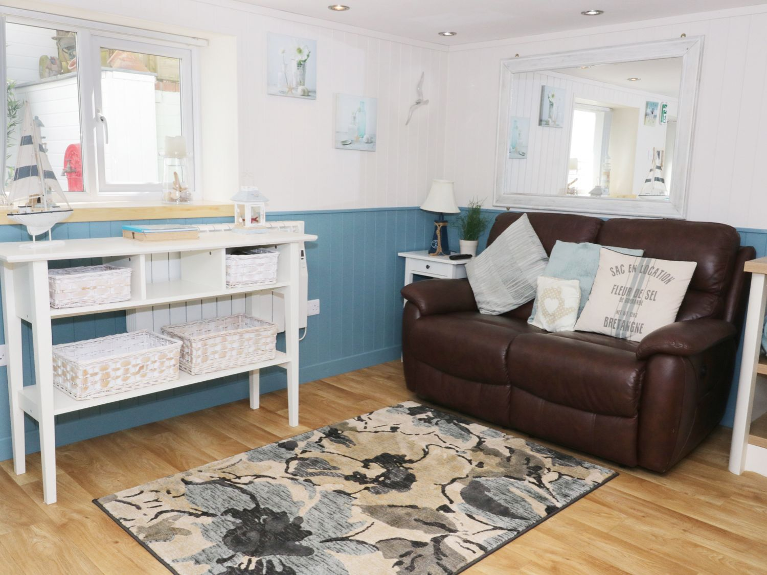 The Hideaway in Benllech - sleeps 2 people