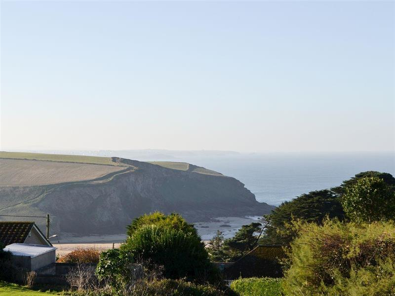 The Jam Store in Mawgan Porth, near Newquay - sleeps 2 people
