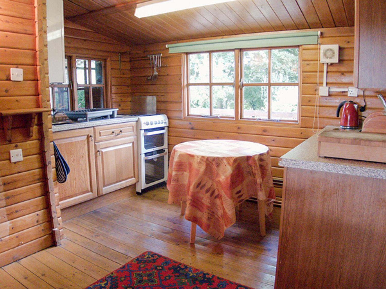 The Log Cabin in Capel Iwan near Newcastle Emlyn - sleeps 6 people