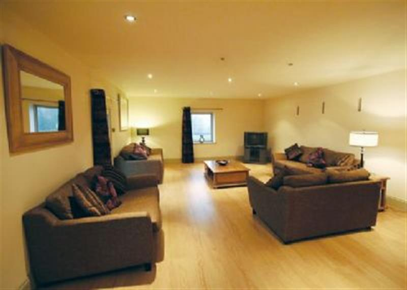 The Long Barn in Stoke-On-Trent - sleeps 10 people
