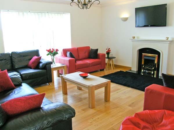 The Meadows in Pentraeth - sleeps 11 people
