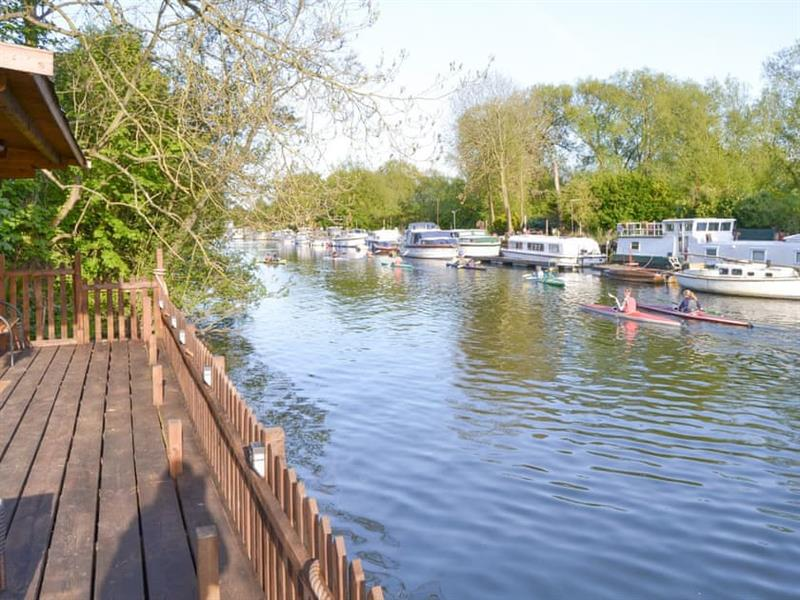 The Moorings in Thorpe St Andrew, near Norwich - sleeps 2 people