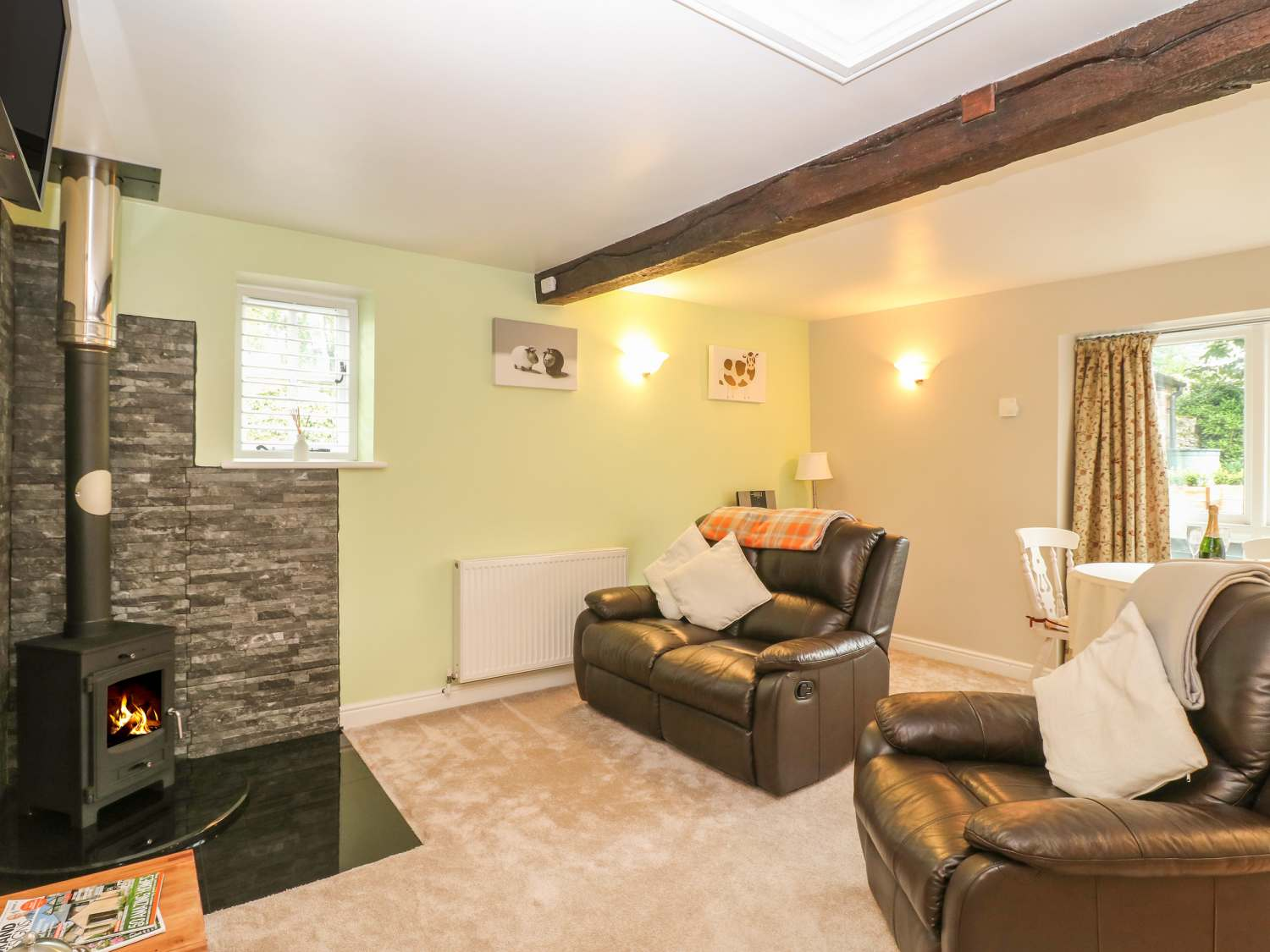 The Old Cow Shed in Alstonefield - sleeps 2 people