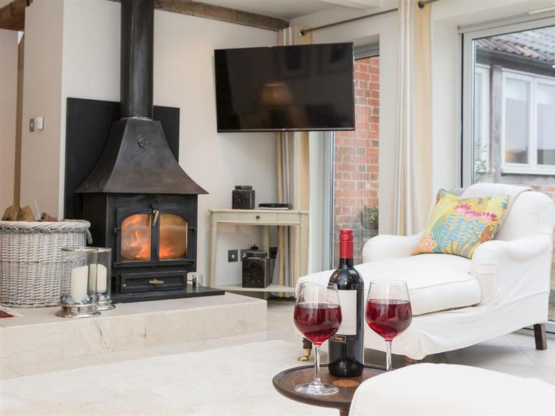 The Old Dairy in Near Calne - sleeps 8 people