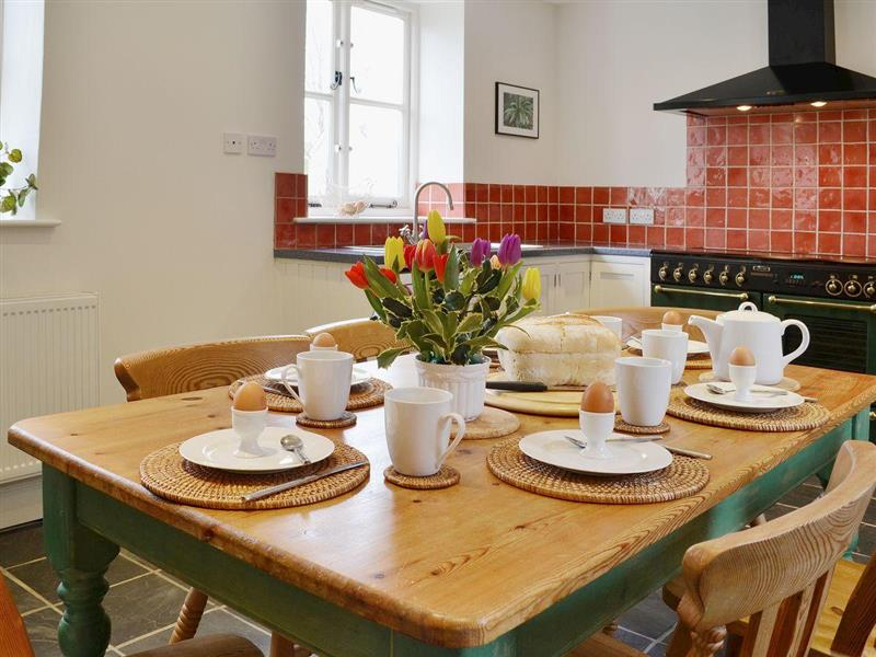 The Old Dairy, Riversdale in Weare Giffard, nr. Bideford - sleeps 6 people