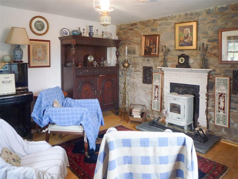 The Old Irish Farmhouse in Skreen, near Ballisodare, County Sligo - sleeps 5 people