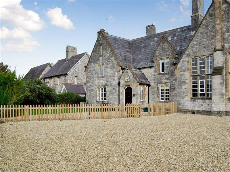 The Old School in Puddletown, near Dorchester - sleeps 6 people