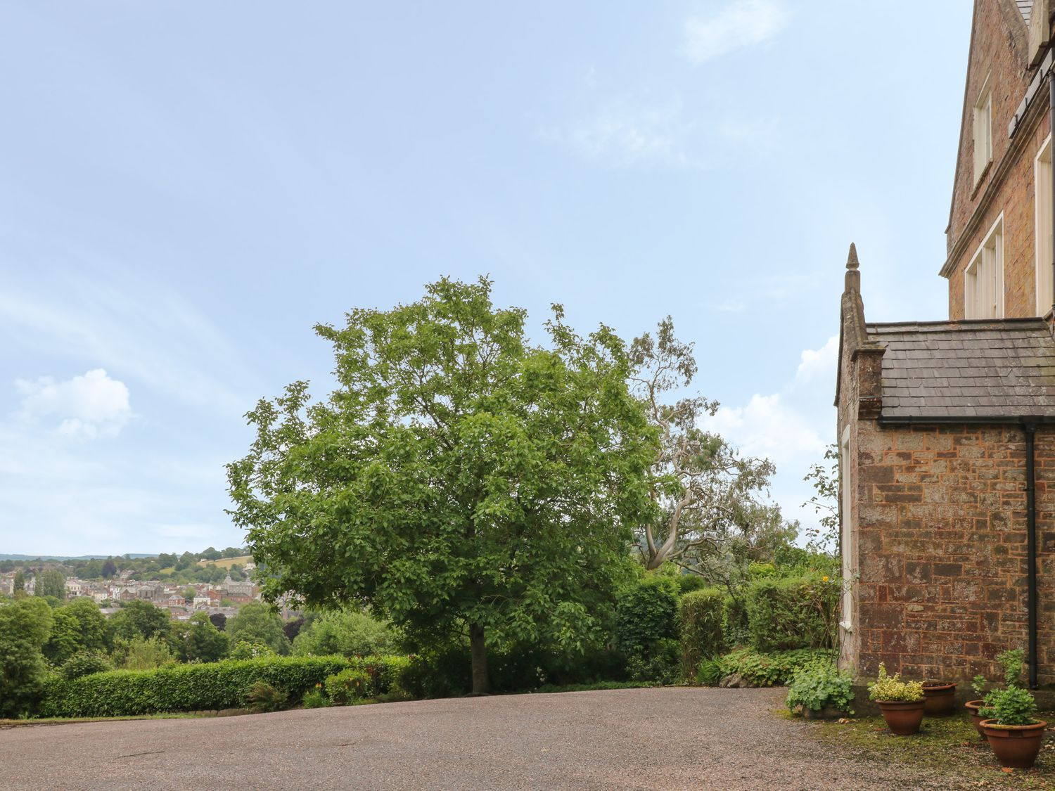 The Old Vicarage in Tiverton - sleeps 10 people