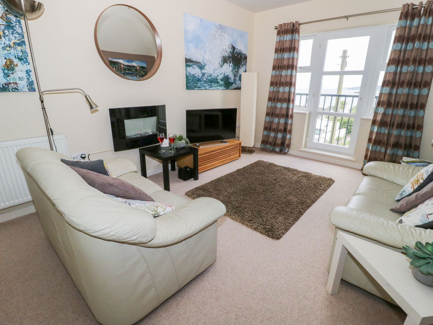 The Penthouse in Benllech - sleeps 4 people