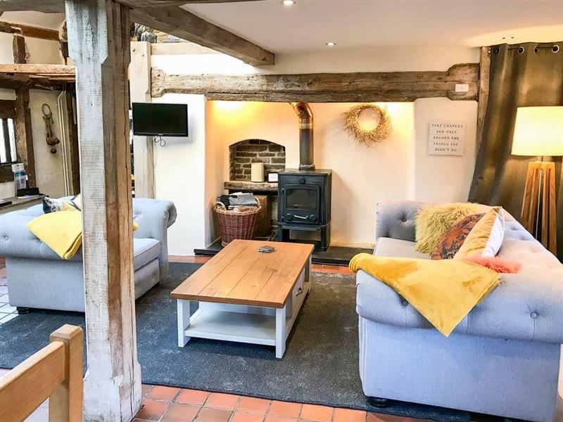 The Petit Manor in Near Blakeney - sleeps 2 people