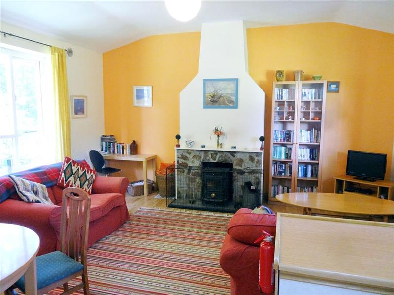 The Summer House in Scorrier, Redruth - sleeps 2 people