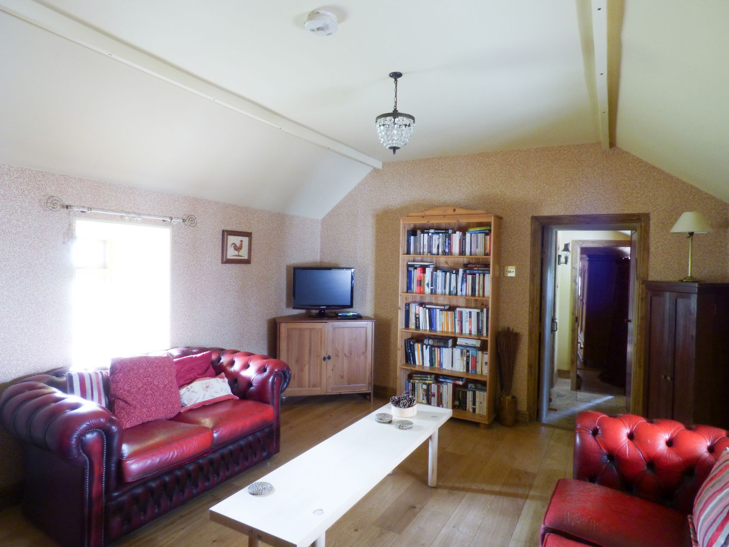 The Thatch Cottage in Legan - sleeps 4 people