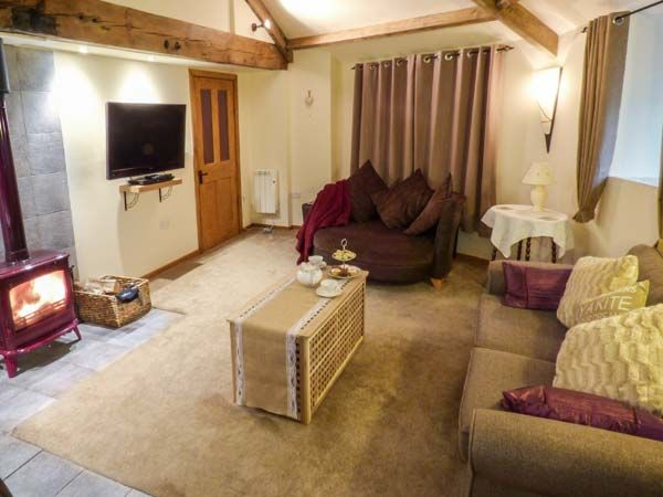 The Wheelhouse in Barton - sleeps 4 people