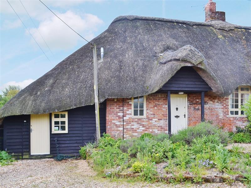 The Wheelwrights Post - The Old Post Office in Burgate, nr. Fordingbridge - sleeps 2 people