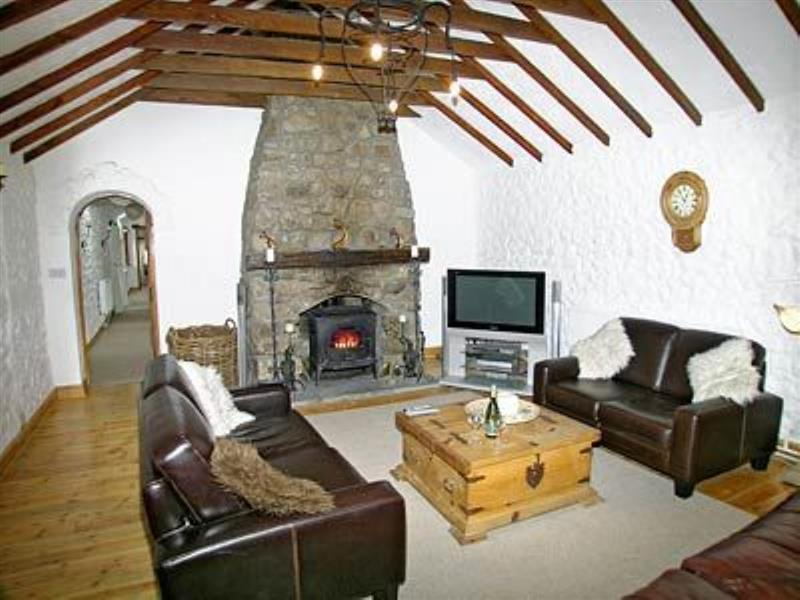 The Willows in Ilston, Gower, Swansea. - sleeps 8 people
