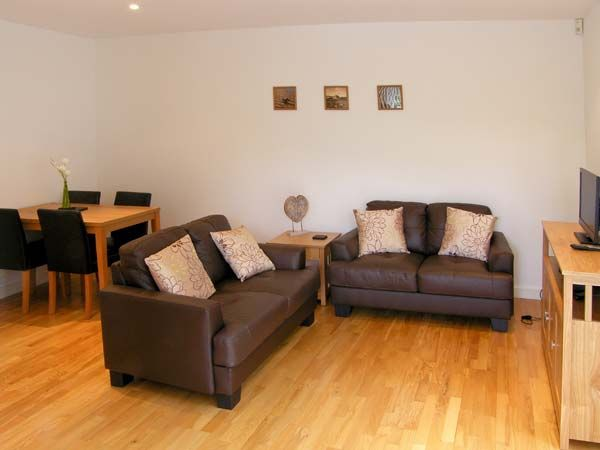 Tides in Benllech - sleeps 4 people
