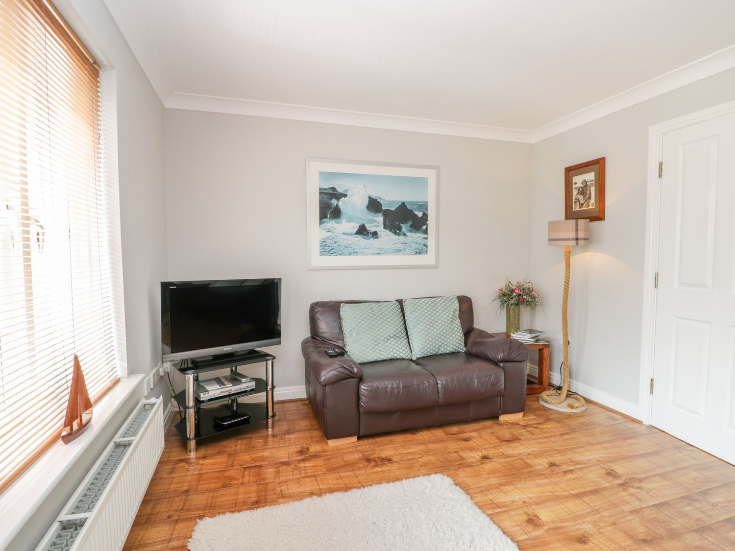 Tides Reach in Whitby - sleeps 8 people