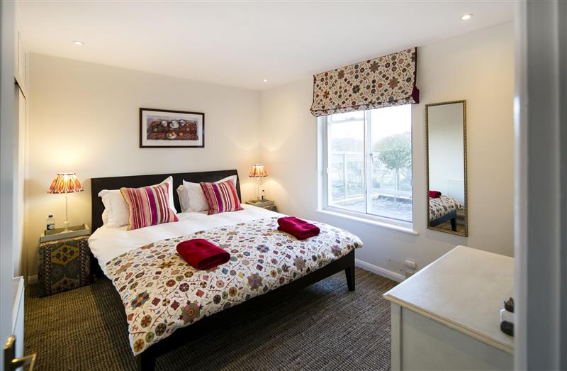Tor Hatch Cottage in Guildford - sleeps 4 people