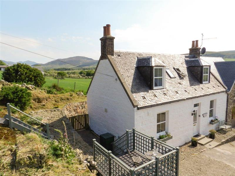 Torbeg Farm Cottage in Torbeg, near Blackwaterfoot, Isle of Arran - sleeps 6 people