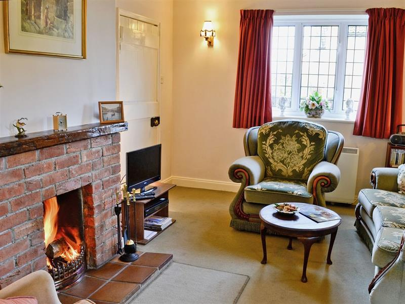 Tower End Cottage in Tower End, Middleton, nr. King's Lynn - sleeps 6 people