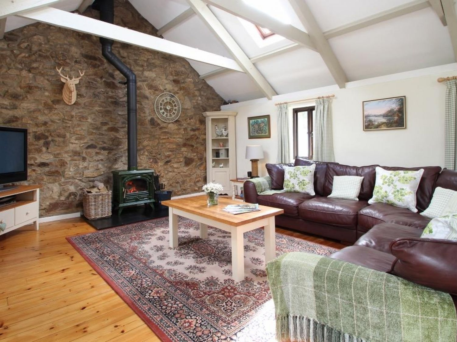 Treamble Barn in Perranporth - sleeps 6 people