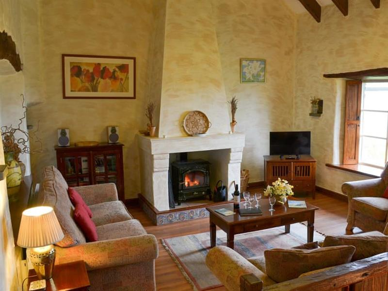 Tregrill Farm Cottages - Provence in Menheniot, near Liskeard - sleeps 6 people
