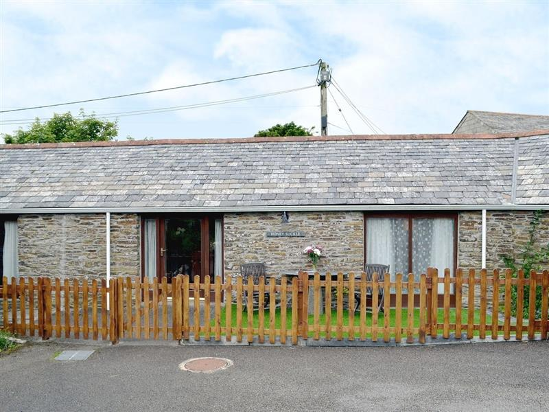Treligga Farm Cottages - Honeysuckle in Treligga, nr. Port Issac - sleeps 2 people