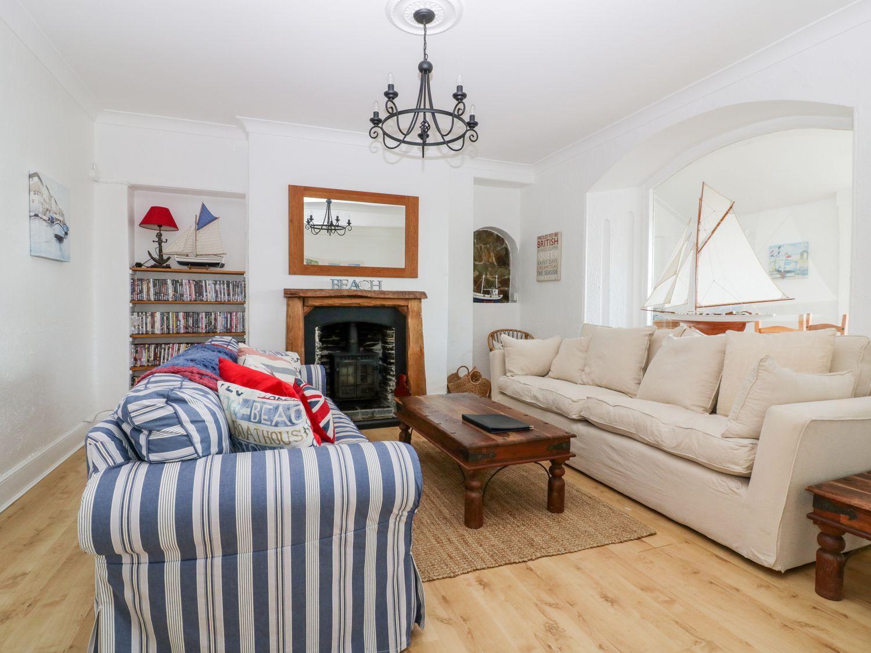 Trevena Lodge in Tintagel - sleeps 12 people