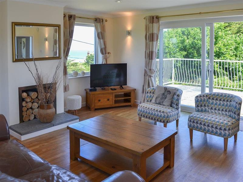Trevoyne in Harlyn Bay, near Padstow - sleeps 8 people