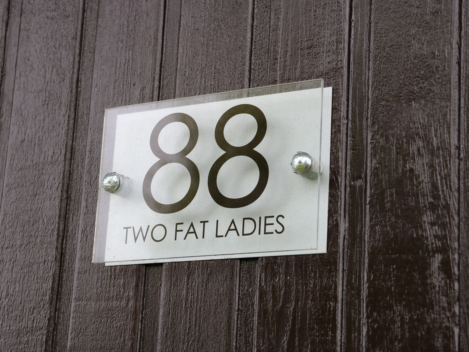 Two Fat Ladies in Chapel St leonards - sleeps 4 people