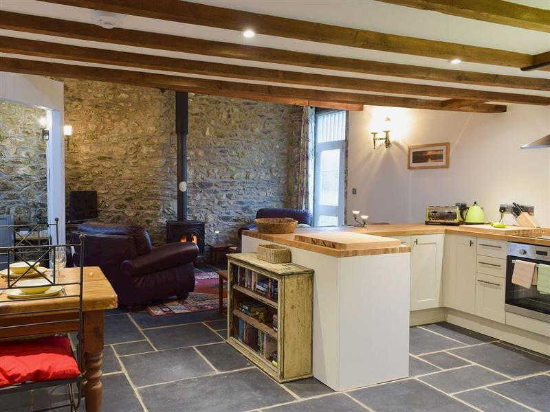 Upper Farm Barns - Ravens Roost in Mathry, near St Davids - sleeps 4 people