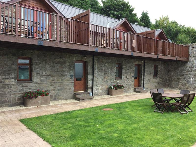 Vale Farm Cottages - Vale Hornbeam in Lower Chapel, near Brecon - sleeps 5 people