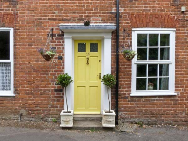 Valentine Cottage in Aylsham - sleeps 4 people